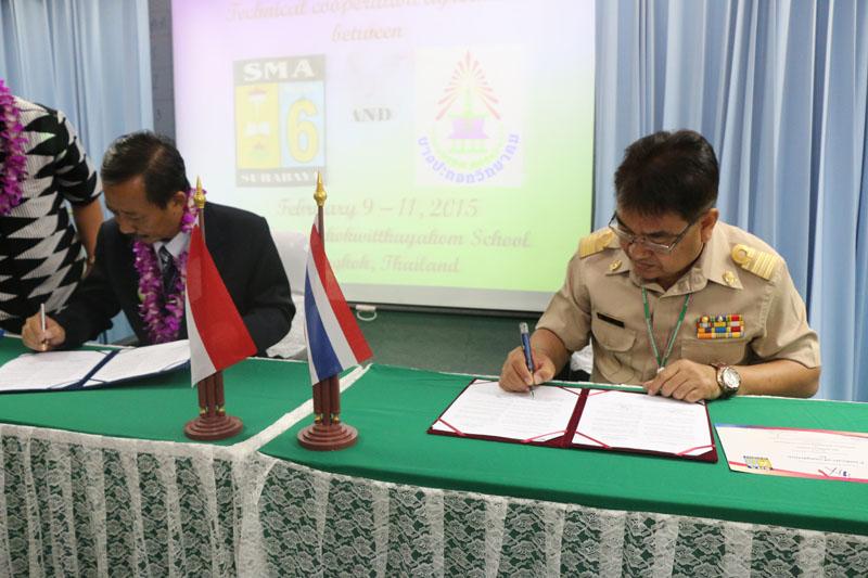 MOU antara SMAN 6 Sby dan Bangpakok Withayakom Bangkok edit